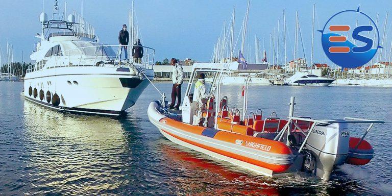 Pannendienst auf See - Abschleppen eines Bootes