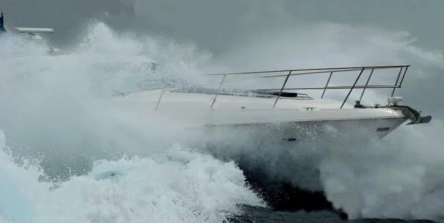 Fit für den Wellenritt – Die richtige Batterie Installation auf Booten