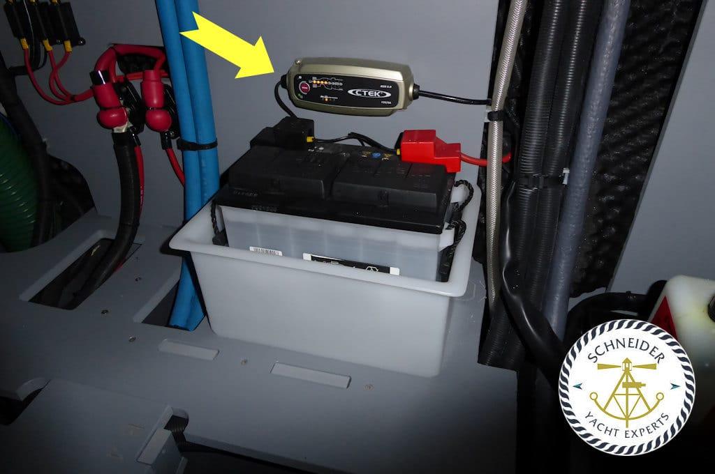 Mangelhafte Batterie Installation auf einem Boot | Ihr Sachverständiger für Boote